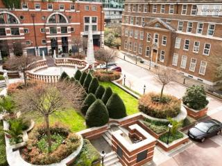 4 bed with roof terrace by the Museum of London! Central London - London vacation rentals