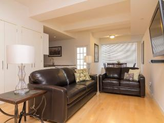 Sleeps 8! 3 Bed/2 Bath Apartment, Times Square, Awesome! (8452) - New York City vacation rentals