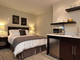 DuPont Circle-Adams Morgan, Parking, Kitchenette, Metro 3 blks - Washington DC vacation rentals