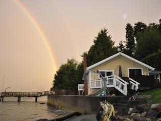 Vashon Island Waterfront Getaway - Vashon vacation rentals