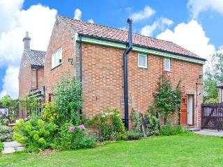 THE DAIRY pet-friendly, woodburner, hot tub in Saham Toney Ref 26592 - Thetford vacation rentals