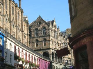 Edinburgh Central Let  West Bow Historic Old T0wn - Edinburgh vacation rentals