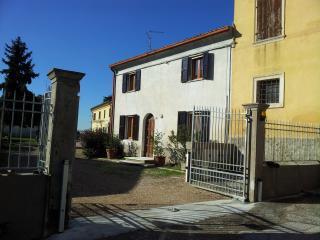 Holidays in a rural cottage near Verona! - Zevio vacation rentals