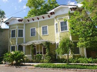 Urban Chic - Savannah vacation rentals