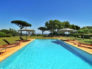 La Reserve-Villa 19 offers sea view, tennis court and access to hotel amenities - Ramatuelle vacation rentals