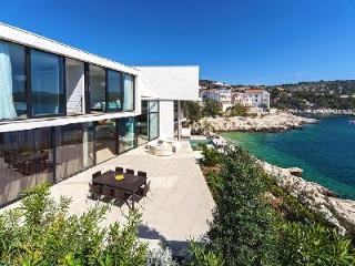 Villa Anna - Sea View Terrace, Partly Sheltered Pool, Sauna, Atrium - Primosten vacation rentals