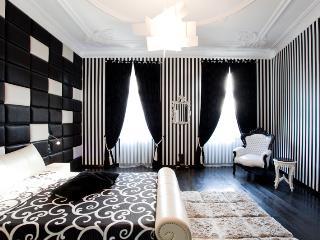 LUXURY PENTHOUSE WITH FINISH SAUNA 165m² - Budapest vacation rentals