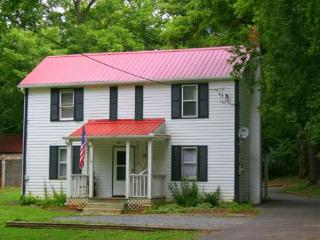 Jubal Early Cottage Historic Rosemont Manor Estate - Purcellville vacation rentals