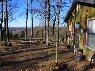 Turkey Ridge Cottage at Rock Eddy Bluff Farm - Dixon vacation rentals