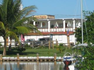 Michelo - Placencia vacation rentals