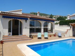 4 bed villa within walking distance to Alcalali - Valencia vacation rentals