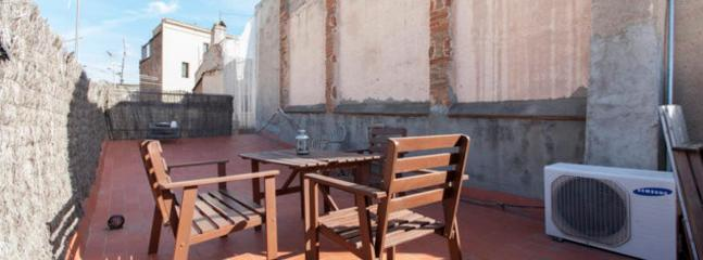 Central Apartment withTerrace in Barcelona Borne - Barcelona vacation rentals