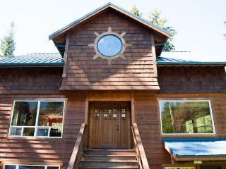 Mountain Escape Chalet - Glacier vacation rentals