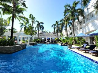 6233 BEACH CLUB PALM COVE  PRIVATELY MANAGED APART - Palm Cove vacation rentals