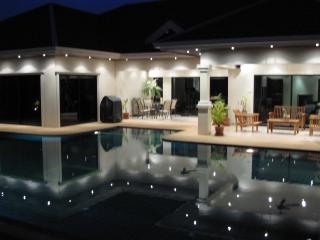 Tropical Pool Villa steps from the beach! - Jomtien Beach vacation rentals