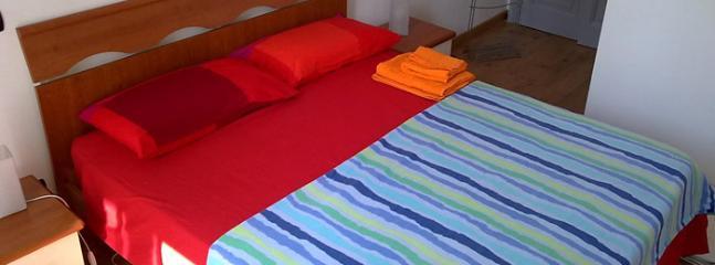 The double bed in the room - Como San Rocco Room - Como - rentals