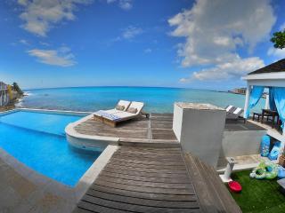 Villa LaLuna Great Beachfront 5 bedroom property - Saint Martin-Sint Maarten vacation rentals