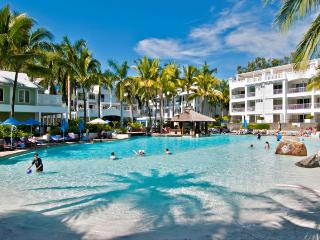 5213 DIRECT POOL ACCESS - Palm Cove vacation rentals