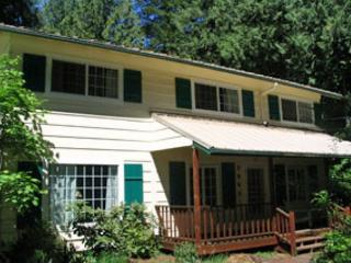 SpaciousVintage Home for large groups - hot tub-wifi - Welches vacation rentals