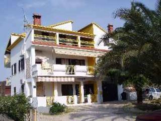 Karmen Apt 2+2 - Zadar vacation rentals