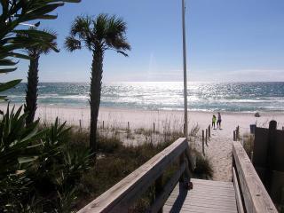 Beautiful 1 Bedroom Oceanside Getaway - Panama City Beach vacation rentals