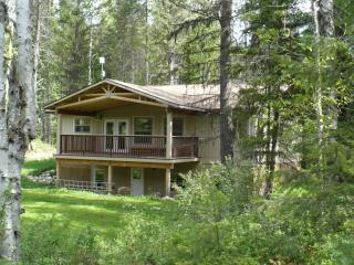 Rosebud Cottage  the best vacation value in the We - Salmo vacation rentals