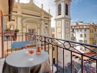 Belle Nuage- 1 Bedroom Nice Apartment with Gorgeous View of the Cathedral from the Balcony - Image 1 - Nice - rentals