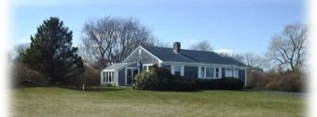 View of house & front yard - Cute cottage with sunroom huge yard and ocean view - Little Compton - rentals