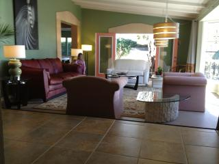 PARQHOUSE - Meet • Play • Entertain -Family&Groups - Albuquerque vacation rentals