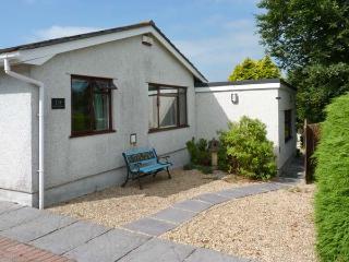 JENNY WREN, single-storey, own garden, king-size bed, close shop, pub, beach, walks, in Tywardreath Ref 22479 - Cornwall vacation rentals