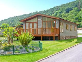 TRANQUILLITY, detached lodge, pet-friendly, close to beaches, in Stepaside, Ref 27020 - Pembrokeshire vacation rentals