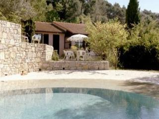 Charming, Pet-Friendly Cottage in Provence - Bargemon vacation rentals