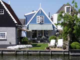 Idyllic house at the waterside of Edam - Edam vacation rentals