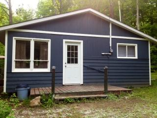 Cabin eh! Sauvignon. - Owen Sound vacation rentals