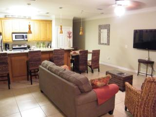 1/2 BLOCK FROM BEACH & SHOPPING, TOTALLY UPDATED, - Port Isabel vacation rentals