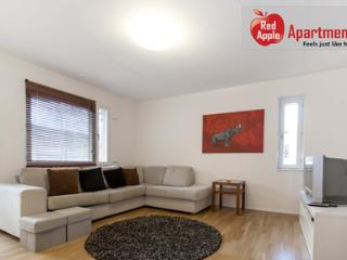 Comfortable Apartment 20 min from the City Center! Close to Metro. - Sundbyberg vacation rentals