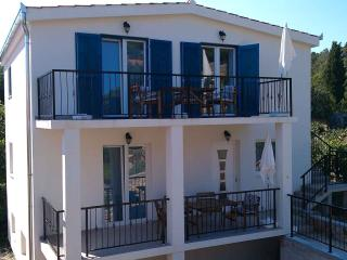 TISNO, Murter - House with 2 Apartments, 8+2 pers. - Tisno vacation rentals