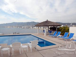 ACA - AGUA AZURE4  - Simple and bright villa with great ocean views, close to beach and entertainment - Acapulco vacation rentals