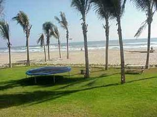 ACA -  TAS04 Secluded location on the beach front - Image 1 - Acapulco - rentals