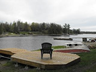 Nature at its best in Muskoka - Honey Harbour vacation rentals