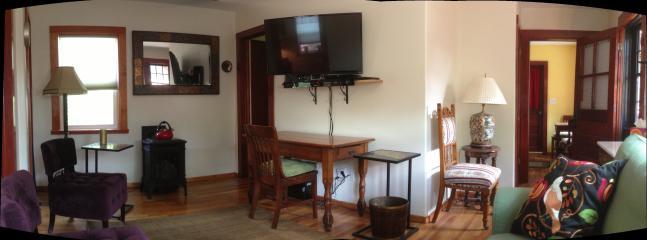 Living Room - A/C Cabin 3 blocks to Hot springs - Glenwood Springs - rentals