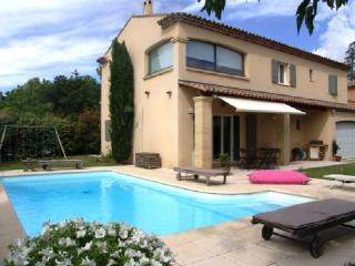 Holiday rental Villas Puyricard (Bouches-du-Rhône), 170 m², 2 600 € - Puyricard vacation rentals