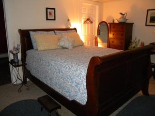 Rose and Goat Retreat - Mountain View Apartment - Ormond Beach vacation rentals