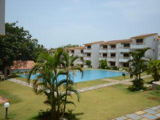 Beautiful Tranquil Apartment - in Candolim, Goa! - Candolim vacation rentals