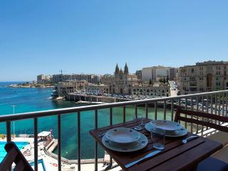 055Exceptional St Julian's Seafront 4-Bedroom Apt - Island of Malta vacation rentals