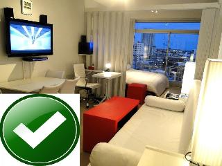 AVENIDA!  PANORAMIC , FULL,TRANSPORTS , SHOPS! :-) - Buenos Aires vacation rentals