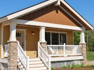 Pet-friendly Wildflower Cottage-close to the beach - South Haven vacation rentals