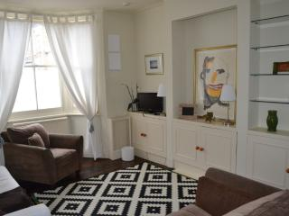 Fulham House - Sleeps 8 - London vacation rentals