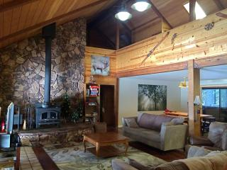 Spacious Mountain Home to Host Large Family/Group - Bear Valley vacation rentals