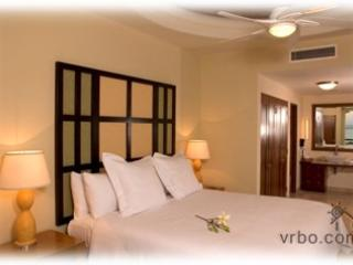 X-Mas or New Years at Cabo Villas - 1 bdrm. $1200 - Cabo San Lucas vacation rentals